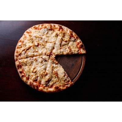 """Пицца """"С ветчиной, курицей"""""""